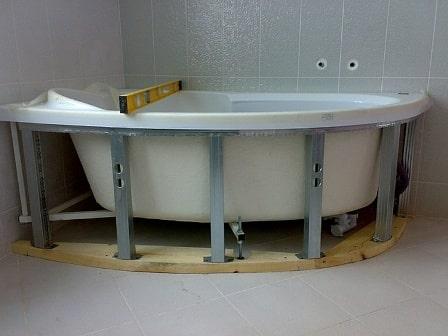 Пошаговая инструкция по монтажу угловой ванны фото