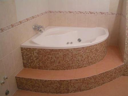 Монтаж угловой ванны на подиум самостоятельно фото